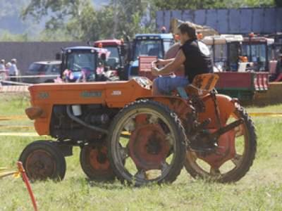 tractor-sdaz-2010-107