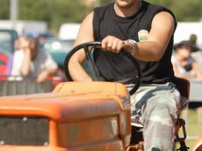 tractor-sdaz-2010-126