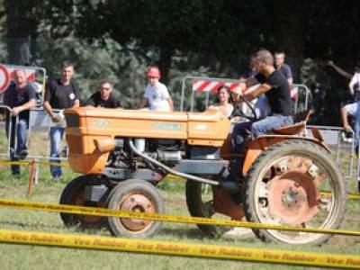 tractor-sdaz-2010-133
