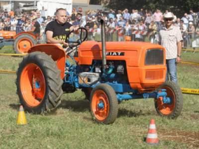 tractor-sdaz-2010-170