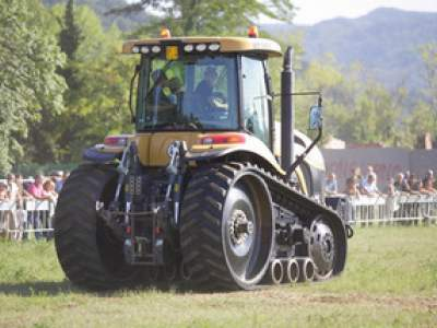 tractor-sdaz-2010-216