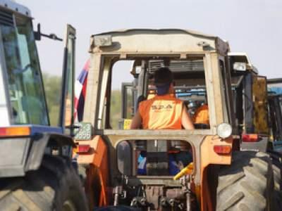 tractor-sdaz-2010-223