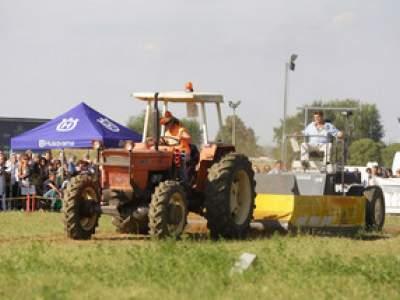 tractor-sdaz-2010-228