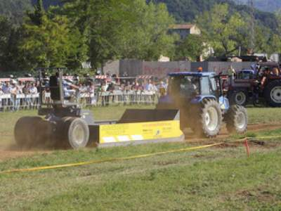 tractor-sdaz-2010-232
