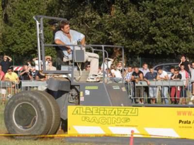 tractor-sdaz-2010-233