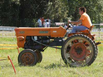 tractor-sdaz-2010-82