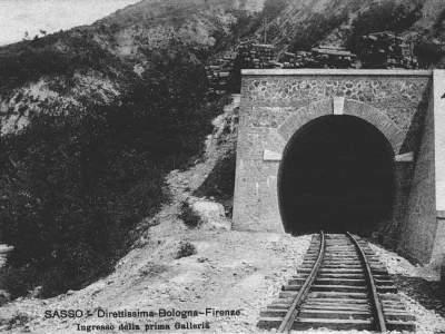 Galleria della Direttissima sotto Monte Adone nel 1915