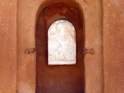 prima facciata edicole religiose Iano - 02