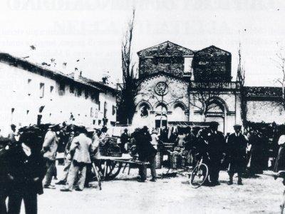 Mercato nella Piazza del Borgo