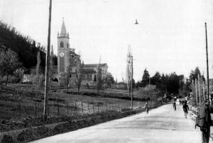 Casalecchio di Reno - Chiesa di San Martino 1946 In questa chiesa ancora diroccata, Don Tonino ha celebrato la sua prima Santa Messa.
