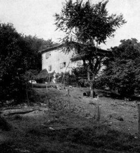 """Casa colonica detta """"Il Pendino"""". Qui sembra si rifugiasse di tanto in tanto il famoso bandito Ceneri detto """"Zandar""""."""