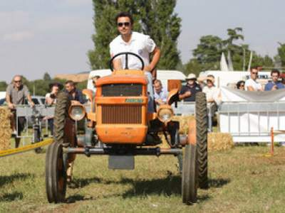 tractor-sdaz-2010-120
