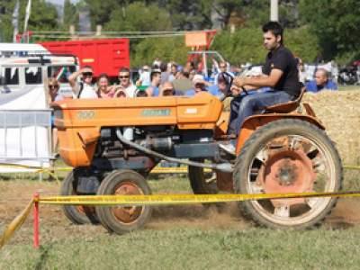 tractor-sdaz-2010-147