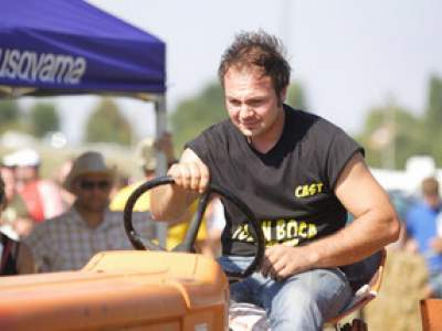 tractor-sdaz-2010-149