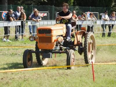 tractor-sdaz-2010-150