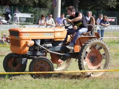 tractor-sdaz-2010-151