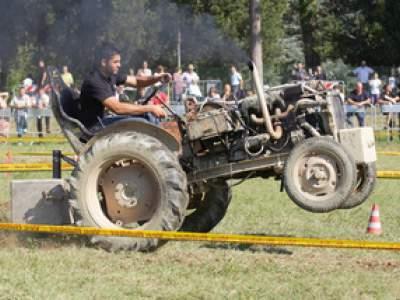 tractor-sdaz-2010-162
