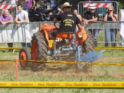 tractor-sdaz-2010-167