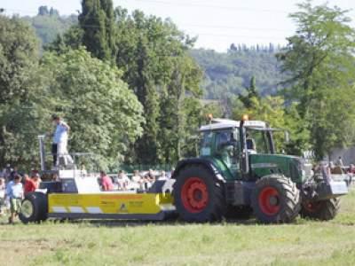 tractor-sdaz-2010-214