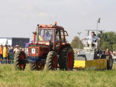 tractor-sdaz-2010-226