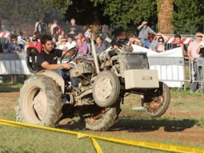 tractor-sdaz-2010-237