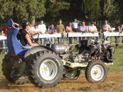 tractor-sdaz-2010-240