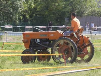 tractor-sdaz-2010-77