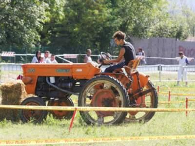 tractor-sdaz-2010-85