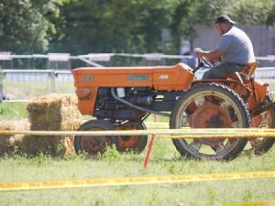 tractor-sdaz-2010-98