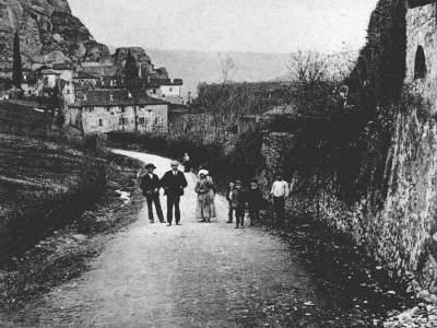 Sasso Marconi, località Fontana, via e Borgo Gasparri nel 1903