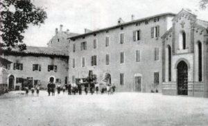 """La Piazza del borgo """"Il Molino"""" alle Ganzole"""