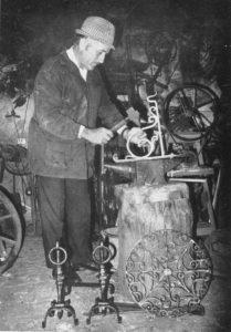 L'ultimo artigiano di Mongardino: Lino Battani. (foto Battani - Fabbriani)